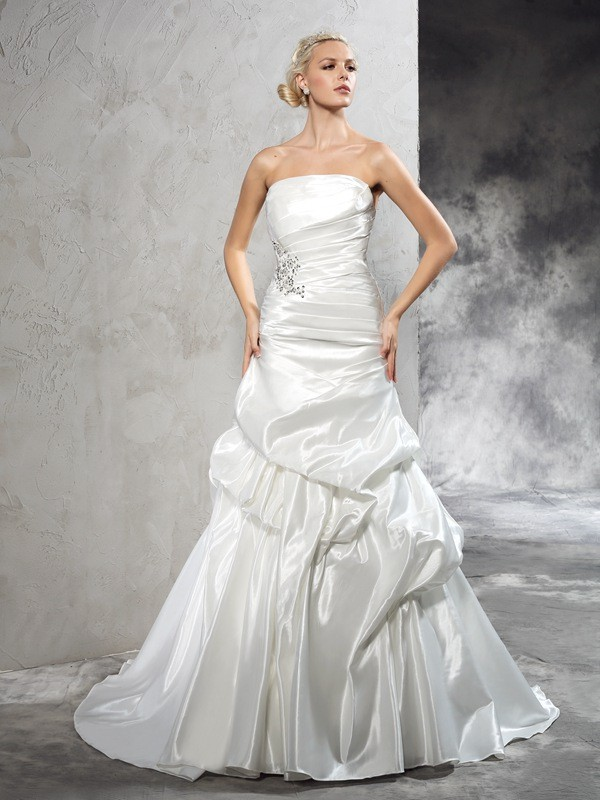 Sheath/Column Strapless Satin Sleeveless Court Train Wedding Dresses