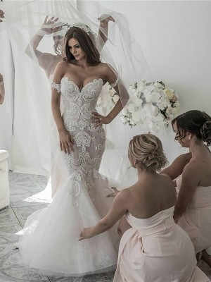Trumpet/Mermaid Off-the-Shoulder Tulle Sleeveless Chapel Train Wedding Dresses