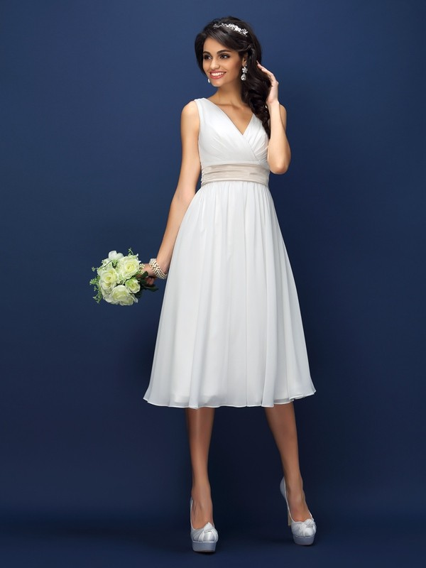 A-Line/Princess V-neck Chiffon Sleeveless Knee-Length Bridesmaid Dresses