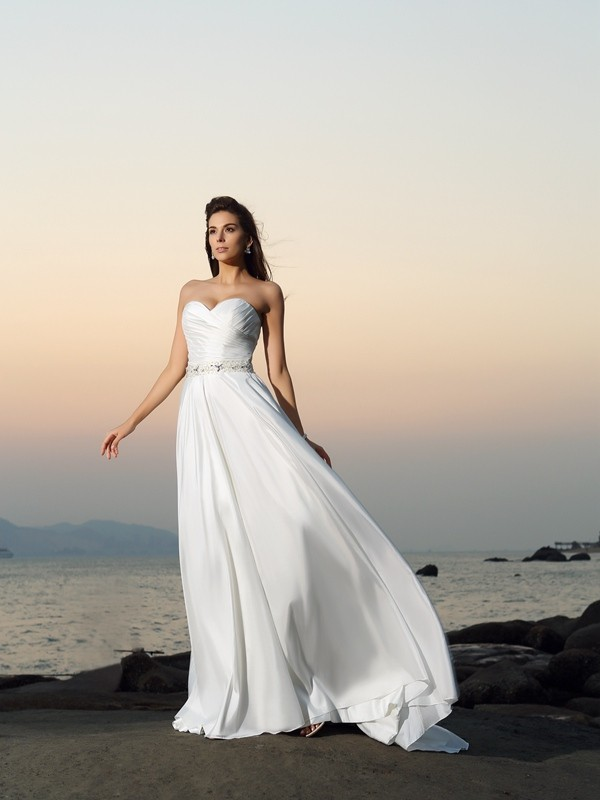 A-Line/Princess Sweetheart Taffeta Sleeveless Chapel Train Wedding Dresses
