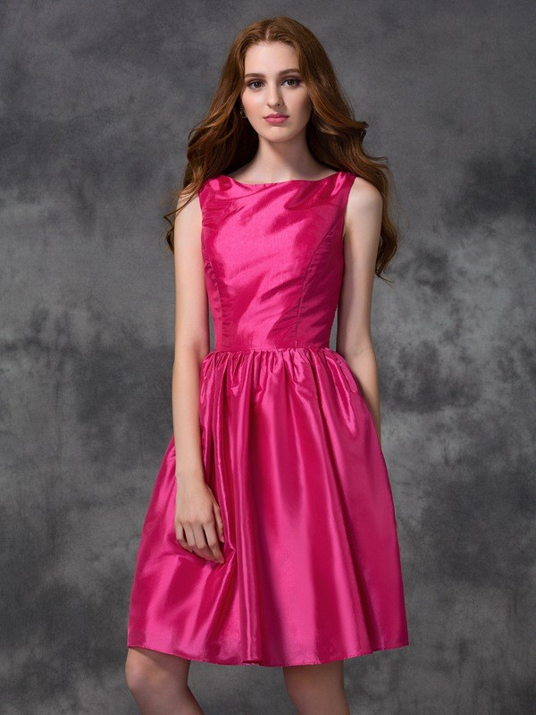 A-line/Princess Bateau Taffeta Sleeveless Knee-length Bridesmaid Dresses