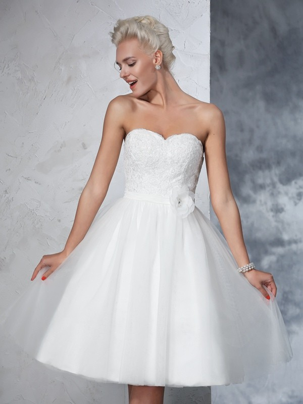 A-Line/Princess Sweetheart Net Sleeveless Knee-Length Wedding Dresses
