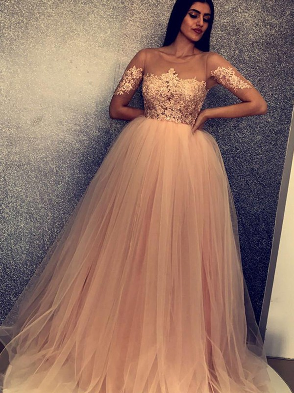 Ball Gown Scoop Tulle Short Sleeves Sweep/Brush Train Dresses