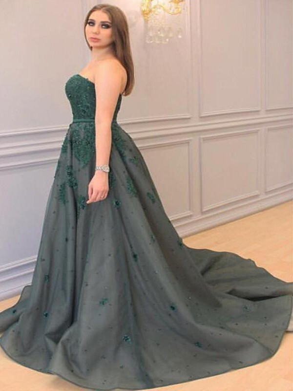 A-Line/Princess Sweetheart Tulle Sleeveless Court Train Plus Size Dresses