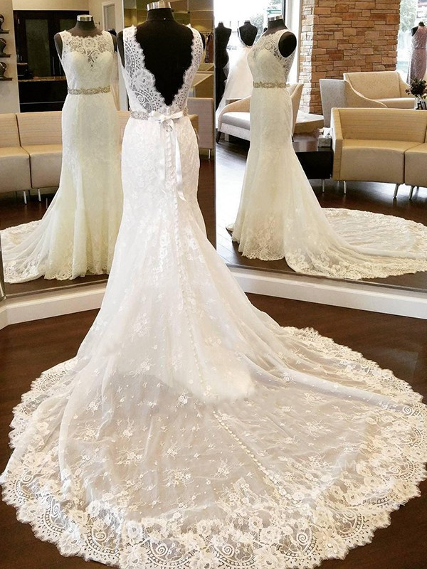 Sheath/Column Scoop Lace Sleeveless Chapel Train Wedding Dresses