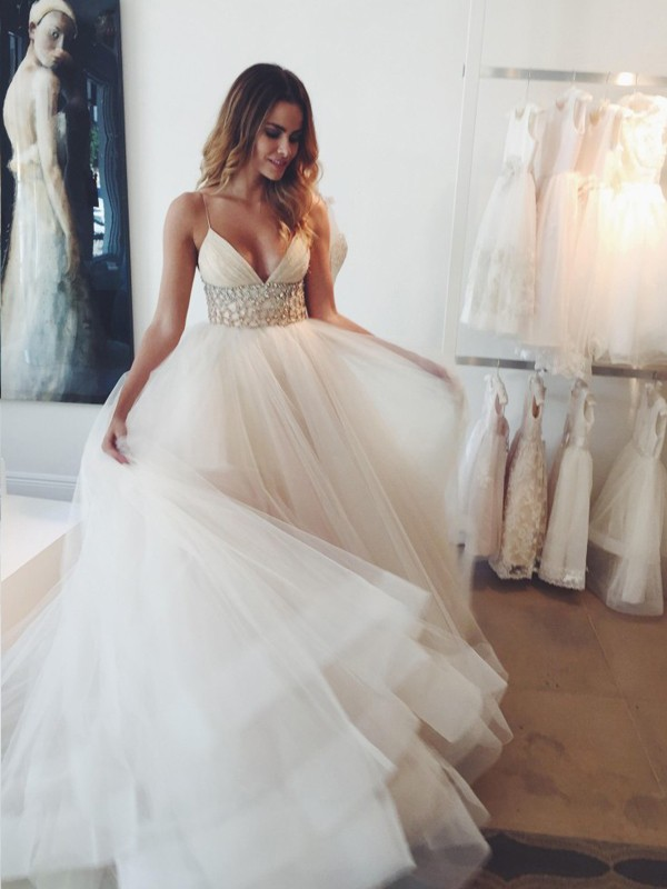 Ball Gown Spaghetti Straps Tulle Sleeveless Court Train Wedding Dresses